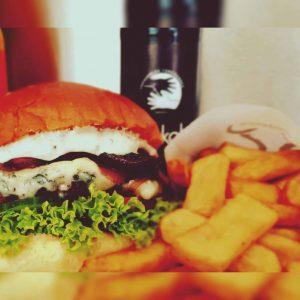 Goodman's Burger Truck auf dem Platz im MediaPark